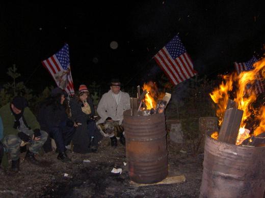 Amerikan ilta vei Bronxin siltojen alle, tynnyritulien ääreen lämmittelemään.