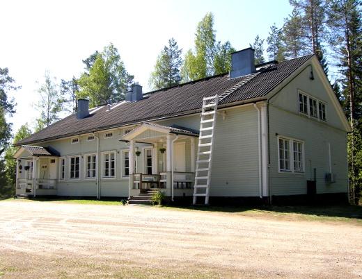 Kotalahden leirikeskuksen sisäilmassa ei ole vikaa eikä leirikeskus ole myynnissä, Uimin seudun kyläyhdistys huomauttaa.