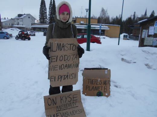 Myös Europaeuksen koulun 8 a-luokkalainen Minea Illukka oli lähtenyt tärkeälle asialle.