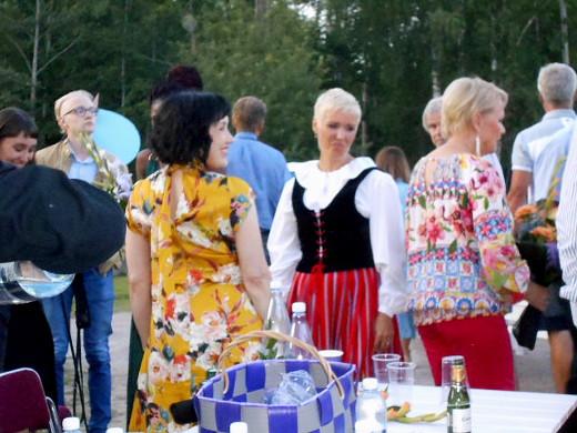 Anna ja Taika Kuoppamäki ottivat osaa isänsä juhlakonserttiin.