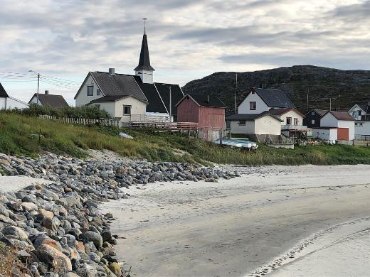 Piipahdus Norjaan, Pykeiaan Jäämeren rantaan.