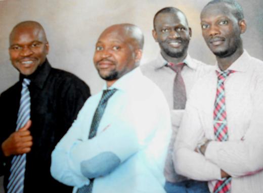 Vasemmalla Chizyukan veljekset Mark ja Peter, oikealla Marion veljekset, baritonit Jones ja Vasco.