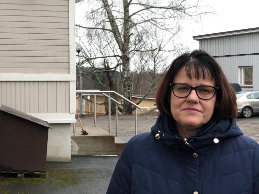Kunnan tiukkaakin tiukempi rahatilanne pakottaa tekemään ratkaisuja kiinteistöjen suhteen, kunnanjohtaja Johanna Mäkelä sanoo.
