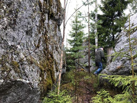 Alkumatkan reitti onkin sama ja kulkee ohi komeiden kivimuodostelmien.