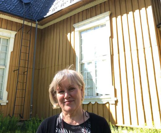 Maarit Kirvessalo-Nurmelalla on paljon muistoja Lemiltä ja Lemin kirkosta 1980-luvulta.