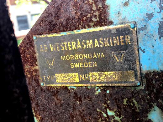 Westeråsin konepajan laite on laatan mukaan rakennettu Morgongåvassa Ruotsissa.