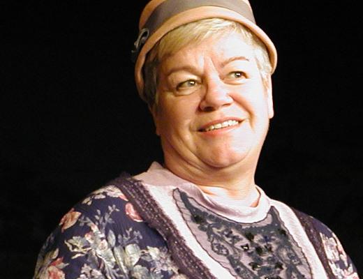 Siru Liljander tuli isolle yleisölle tutuksi myös rooleistaan Lemin nuorisoseuran näyttämöllä.